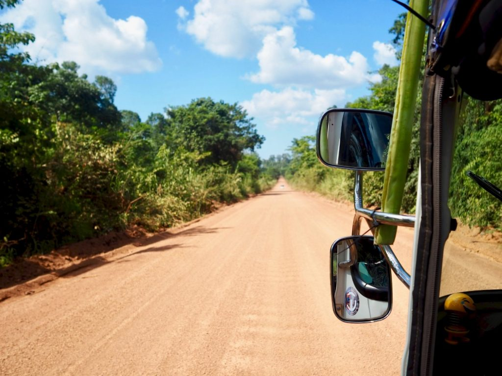 Cambo Challenge dirt road driving