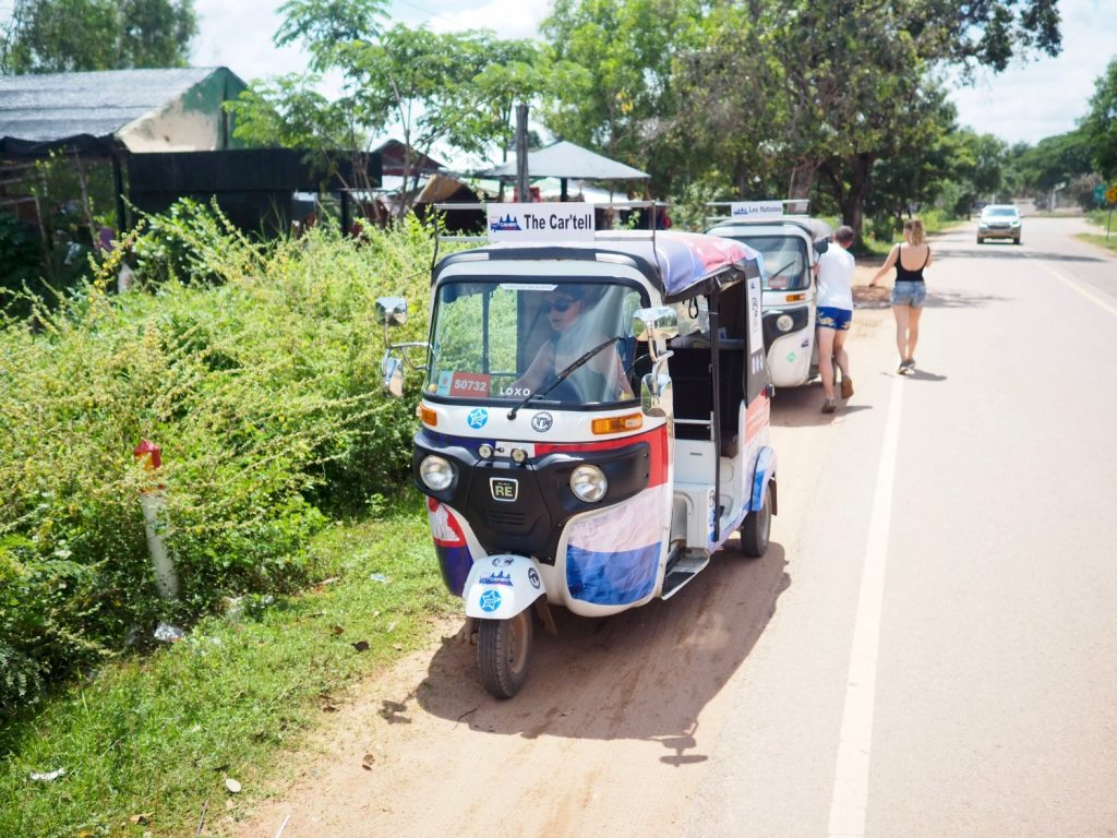 Cambo Challenge tuktuk on the road